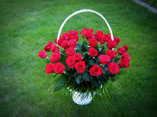 Kosz 50 czerwonych róż 1