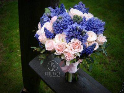 Niebiesko różowa wiązanka ślubna