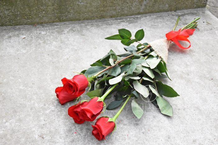 Róże w zastawie z kwiaciarni Girlanda Białystok