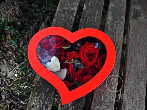 Flowerbox w kształcie serca do kupna w ofercie kwiaciarni Girlanda