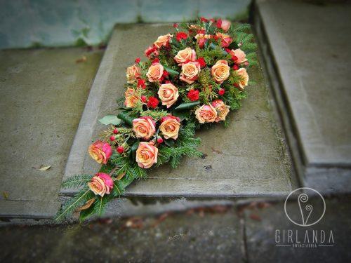 Floret z czerwono pomarańczowymi kwiatami z kwiaciarni wysyłkowej Białystok
