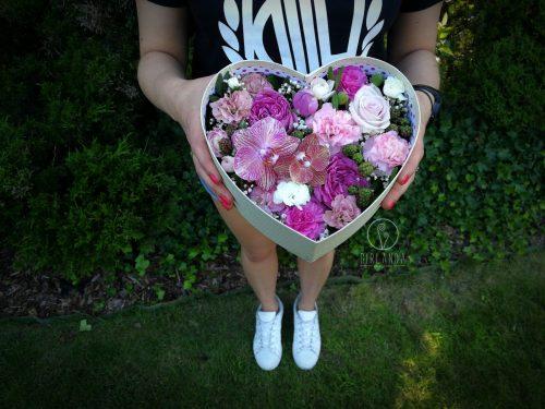 Flowerbox w kształcie serca w pudełku w kwiaciarni internetowej Białystok