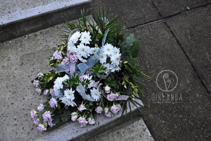 Wiązanka pogrzebowa z kwiaciarni wysyłkowej Girlanda