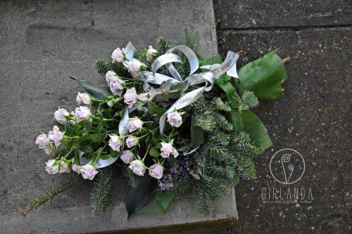 Wiązanka pogrzebowa z jasnymi gałązkami Białystok