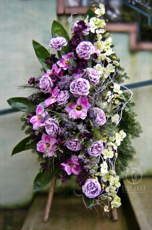 Wieniec z zielonych żywych kwiatów z kwiaciarni online Białystok