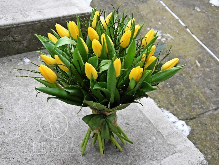 Bukiet z żółtych tulipanów z kwiaciarni Girlanda