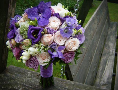 Ślubna wiązanka a kolor roku wg Pantone – ultra violet