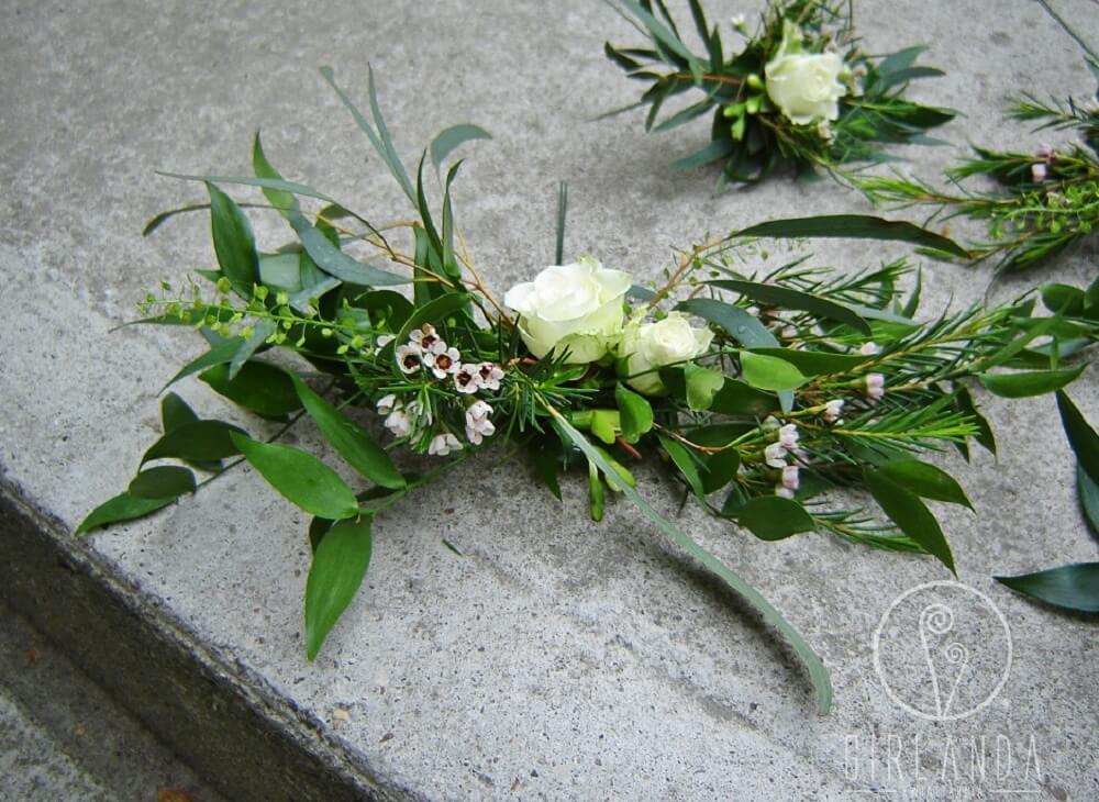 Kwiaty dekoracyjne na torcie Białystok