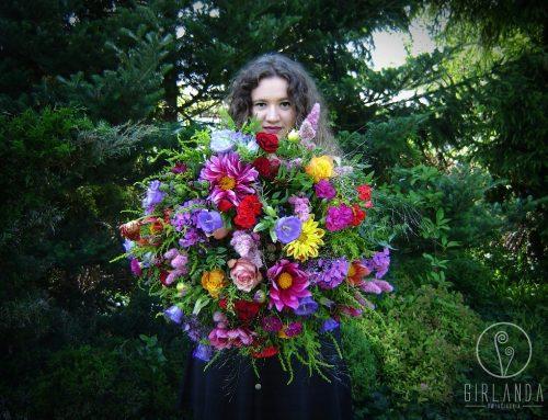Klasyczne i modne kwiaty z okazjirocznicy ślubu