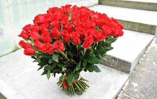 Oświadczynowe zwyczaje z różami Białystok