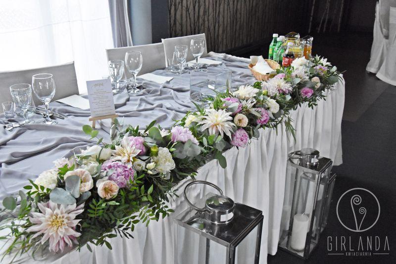 kwiaty na stół weselny
