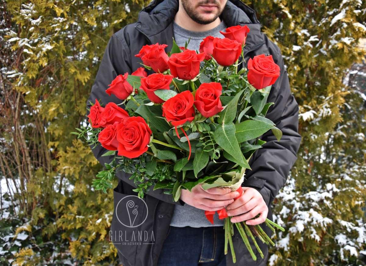 Bukiet czerwonych róż na Walentynki